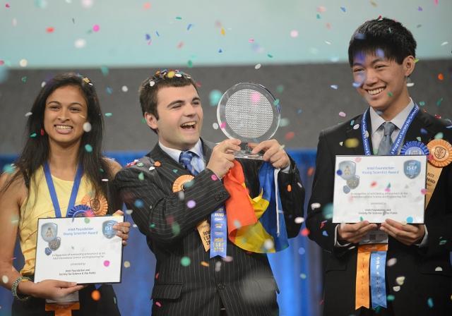 Șase elevi români vor merge la Intel ISEF