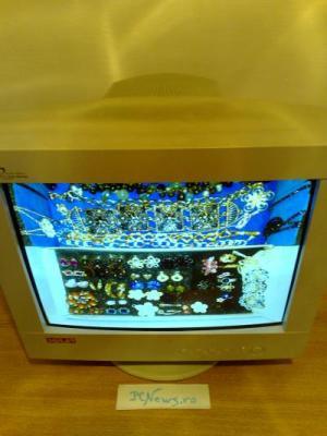 Monitor CRT - Cutie de bijuterii.
