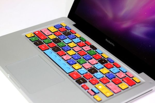 Tastatura colorata