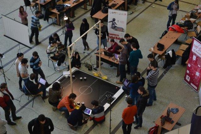 Campionat de fotbal cu roboți Arduino