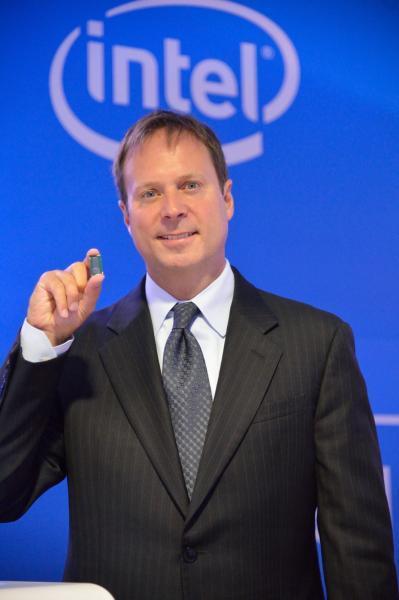 Kirk Skaugen prezentand procesorul Intel Core M
