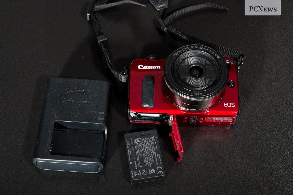 Canon EOS M, baterie si incarcator