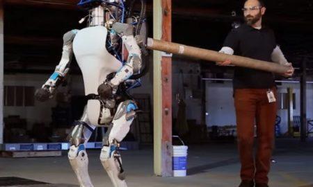 Robotul umanoid Atlas de la Boston Dynamics