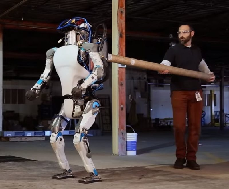 Robotul umanoid Atlas de la Boston Dynamics