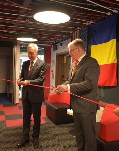 Sorin Mîndruțescu și Hans Klemm, ambasadorul SUA în România