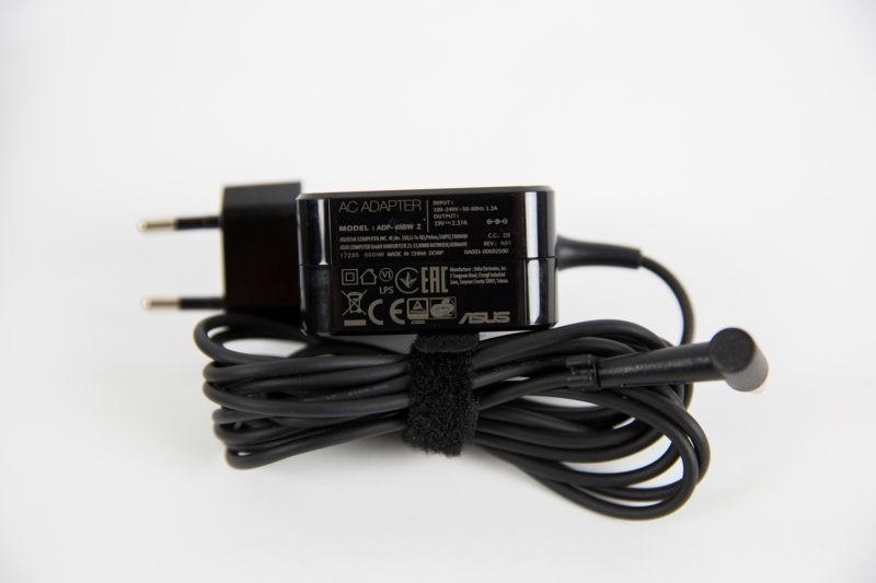 ASUS VivoBook Flip 14 TP401 - încărcător
