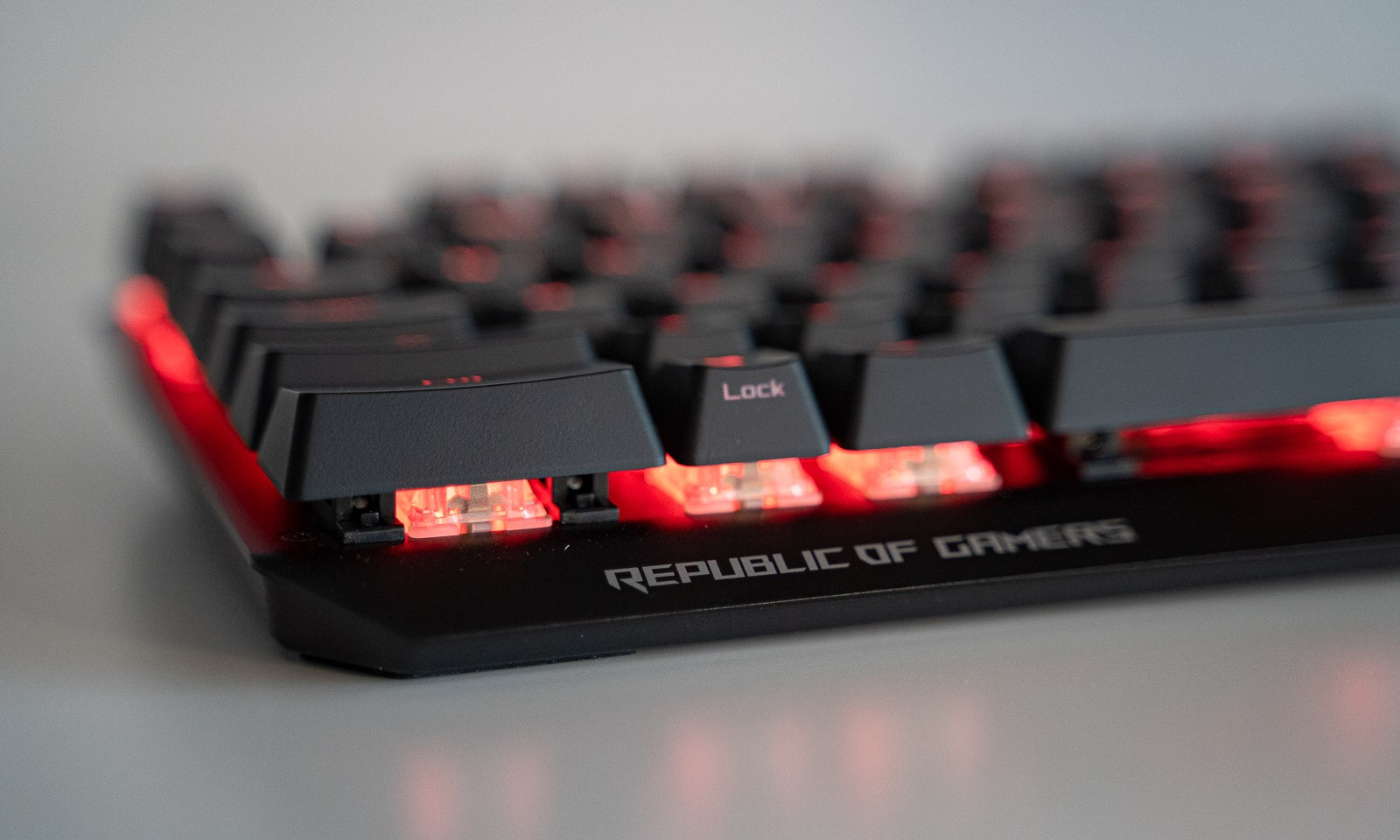 Tastatura de gaming ROG Strix Scope - review