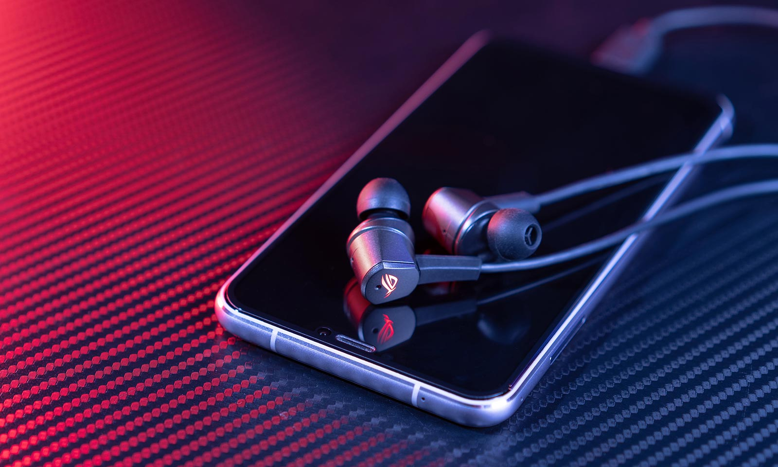Căști intra-auriculare de gaming ROG Cetra cu USB-C