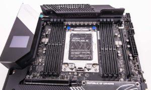 Socketul sTRX4 al plăcii ROG Zenith II Extreme Alpha