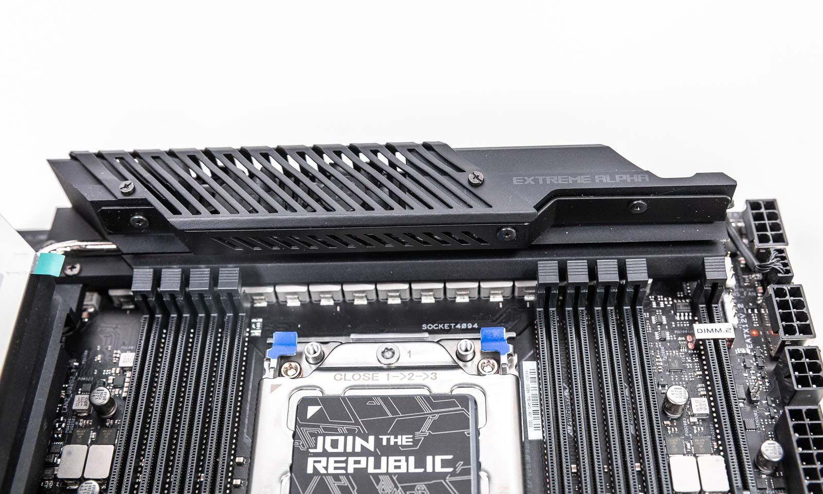 Active cooling VRM heatsink - Sistemul de răcire pentrul blocul de alimentare de pe ROG Zenith II Extreme Alpha