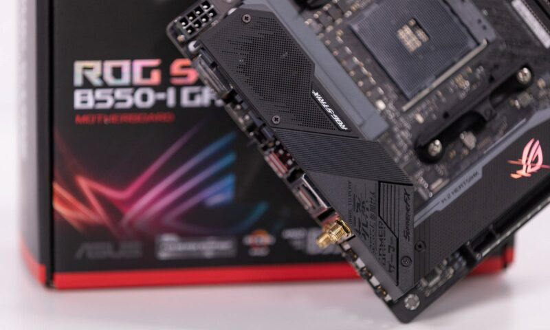 Placa de baza ROG Strix B550-I Gaming
