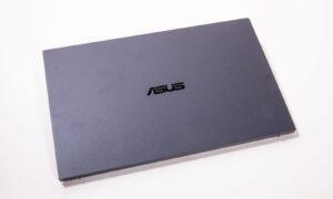 Laptop business ASUS ExpertBook B9 are o carcasă din aliaj de magneziu și litiu