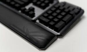 Palmrestul tastaturii ROG Claymore II