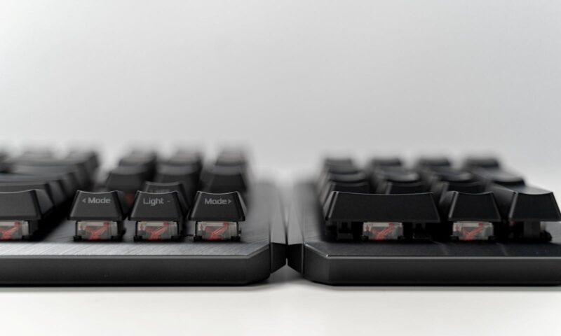 Tastatura ROG Claymore II - prinderea Numpad-ului de TKL