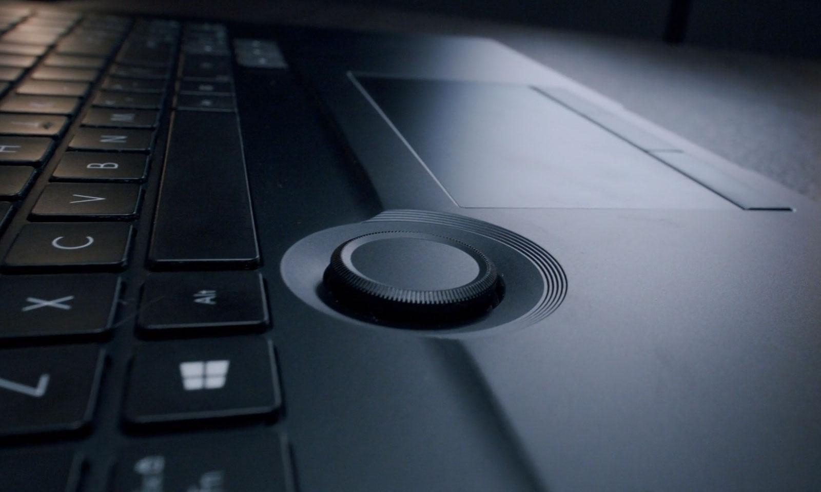Controllerul ASUS Dial de pe laptopurile ASUS ProArt